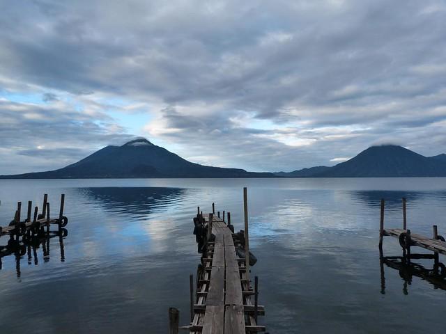 Lago Atitlán desde Panajachel (Guatemala)
