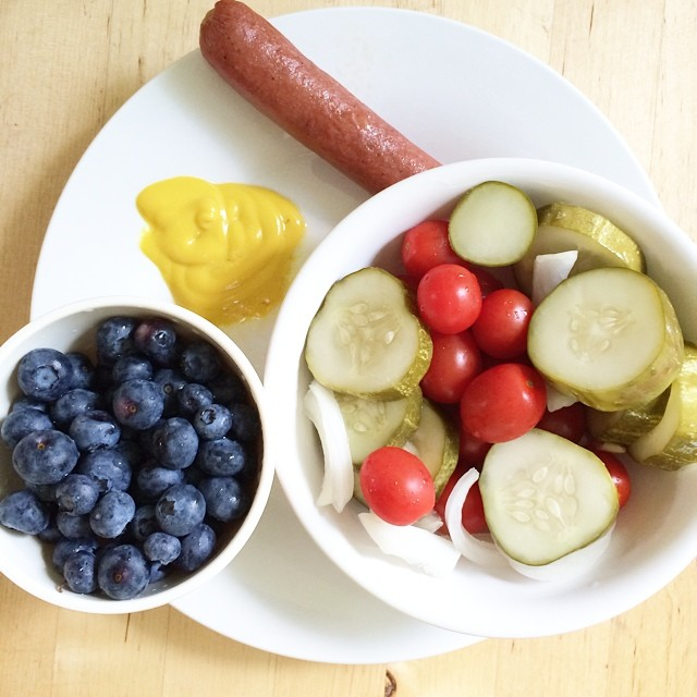 Day 28,#whole30 - lunch (blueberries, tomatoes, pickles, hot dog, & mustard)