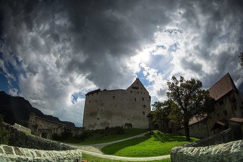 sun mountains clouds soft lee liechtenstein filters grad density neutral balzers burggutenberg 09nd eos5dmarkiii ef815mmf4lfisheye softneutraldensitygrad09nd