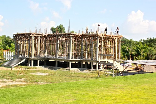 building another Thai temple in Lumbini