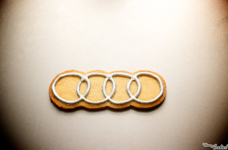 Galleta con logotipo de AUDI