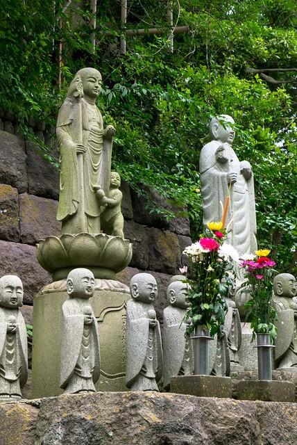 寺內的地藏像