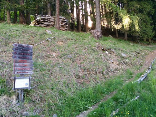 Wegweiser Höhenweg/Kreuzkofel
