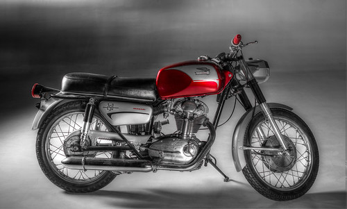 Old School Ducati 250 by Geoff Livingston