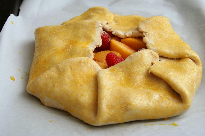 peach raspberry galette 7