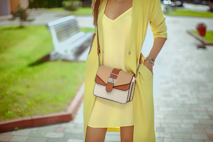 total-lime=green-yellow-look-fashion-blogger