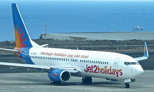G-GDFZ 'Jet2 holidays' Boeing 737-86Q on 'Dennis Basford's railsroadsrunways.blogspot.co.uk'