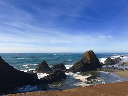 pacificocean pacific ocean water rocks beach oregoncoast