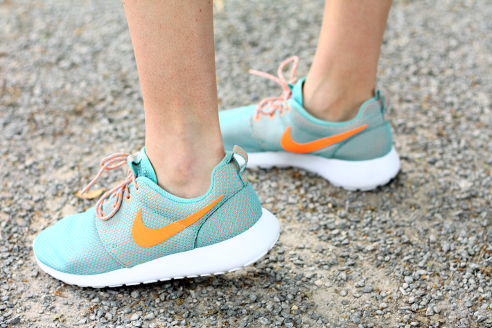 mint orange nike roshe run