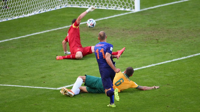 140618_AUS_v_NED_2_3_Arjen_Robben_scores_first_HD