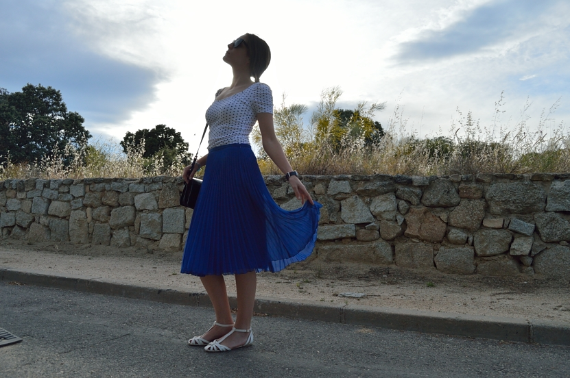 lara-vazquez-madlula-blog-style-fashion-midi-blue-skirt-easy