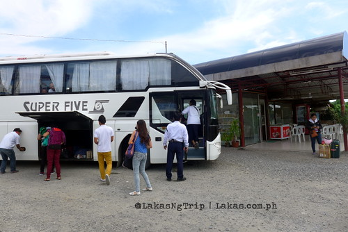 Super Five Bus at the quick stop at Laguindingan Intersection, Misamis Oriental.