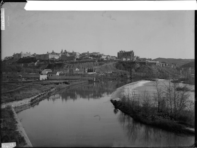 Río Tajo desde Azumel a comienzos del siglo XX. Fotografía de J. Lacoste © MECD, Fototeca del IPCE, signatura VN-22630_P