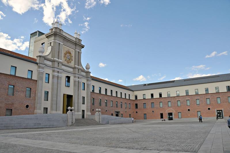 http://hojeconhecemos.blogspot.com.es/2014/07/do-centro-cultural-conde-duque-madrid.html