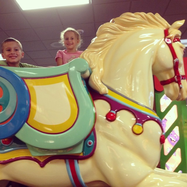 We are in Tupelo, MI for the night then plan to drive 6 hrs to Destin tomorrow. To kill time we are at Chuckie Sneeze... Kids love it and we can rest after hours in the car today. Plus, have you ever seen a bigger horse? They had to take stairs up a flight