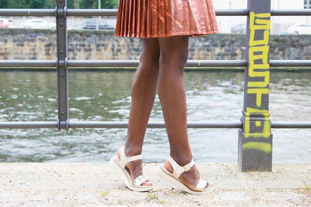 Tamaris white and gold flatform sandals