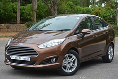 hatchback(0.0), automobile(1.0), supermini(1.0), vehicle(1.0), city car(1.0), ford(1.0), ford fiesta(1.0), land vehicle(1.0),