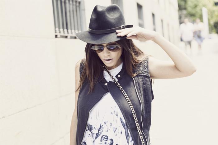 street style barbara crespo ink flowers 6KS dress vest C&A Sendra boots fashion blogger outfit blog de moda