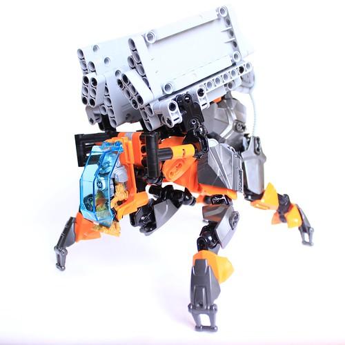 [MOC] La Machine Bouclier de Magnus - 84RR1-C4D3 14928013435_b1f5b554e9