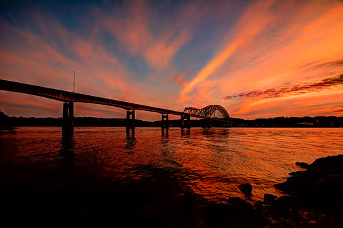 bridge sunset nikon iowa mississippiriver tamron dubuque hdr photomatix d7100 1024mm