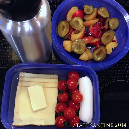 StattKantine 25.09.14 - Käse, Rettich, Obst