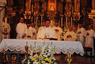 La feligresía arropa al nuevo párroco