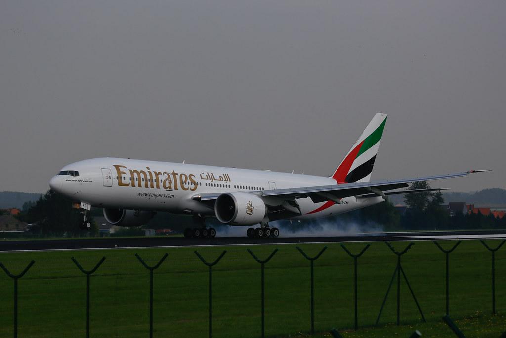 First Emirates B777-200LR landing in BRU/EBBR