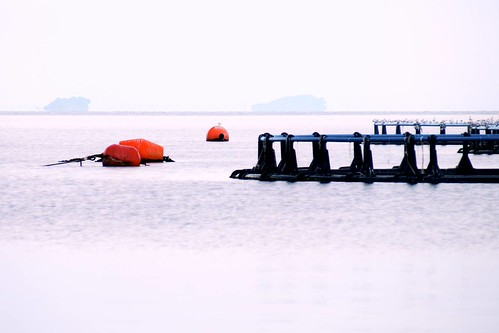 morning sea islands twilight greece floats cages fishfarm amvrakikos 70210mmf4556 vonitsa θάλασσα αμβρακικόσ λυκόφωσ ιχθυοκαλλιέργεια βόνιτσα πρωινό κλουβιά σημαδούρεσ νησιά