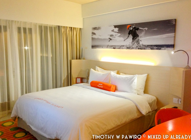 Indonesia - Bali - Harris Hotel Bukit Jimbaran - Bed room (03)