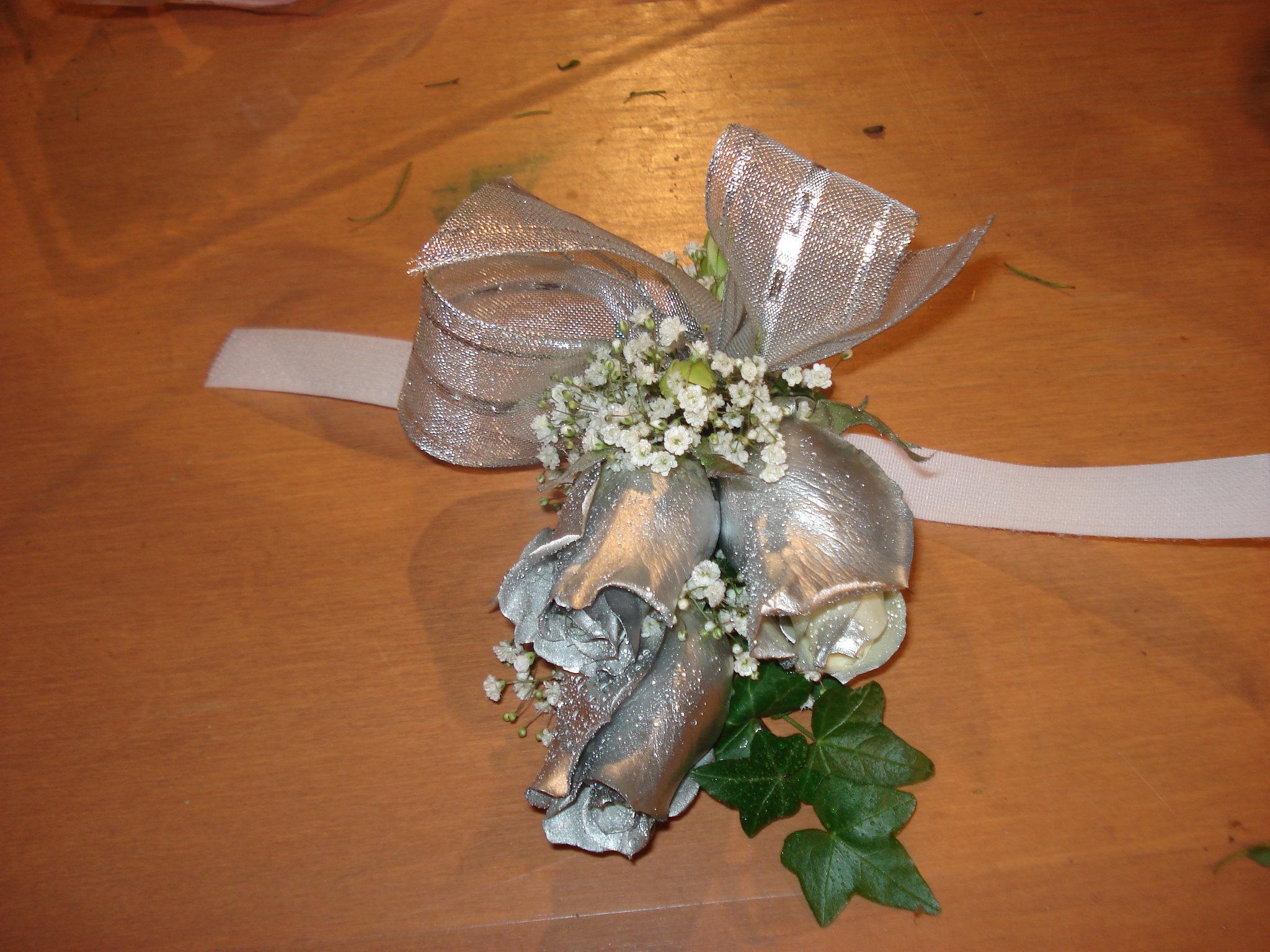 Farah Florist W-CB-4.      $15-20