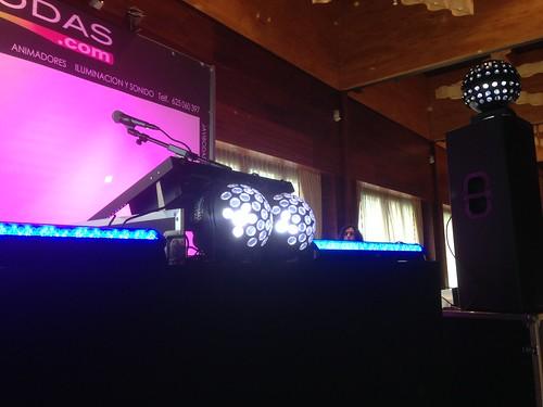 equipo sonido e iluminacion dj de bodas
