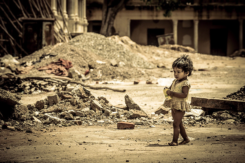 #43 Children Faces: Alone among the ruins... | Jaipur | India