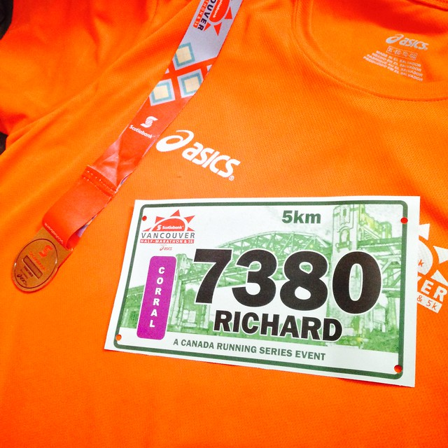 Medal, shirt and bib from the Scotiabank 5k