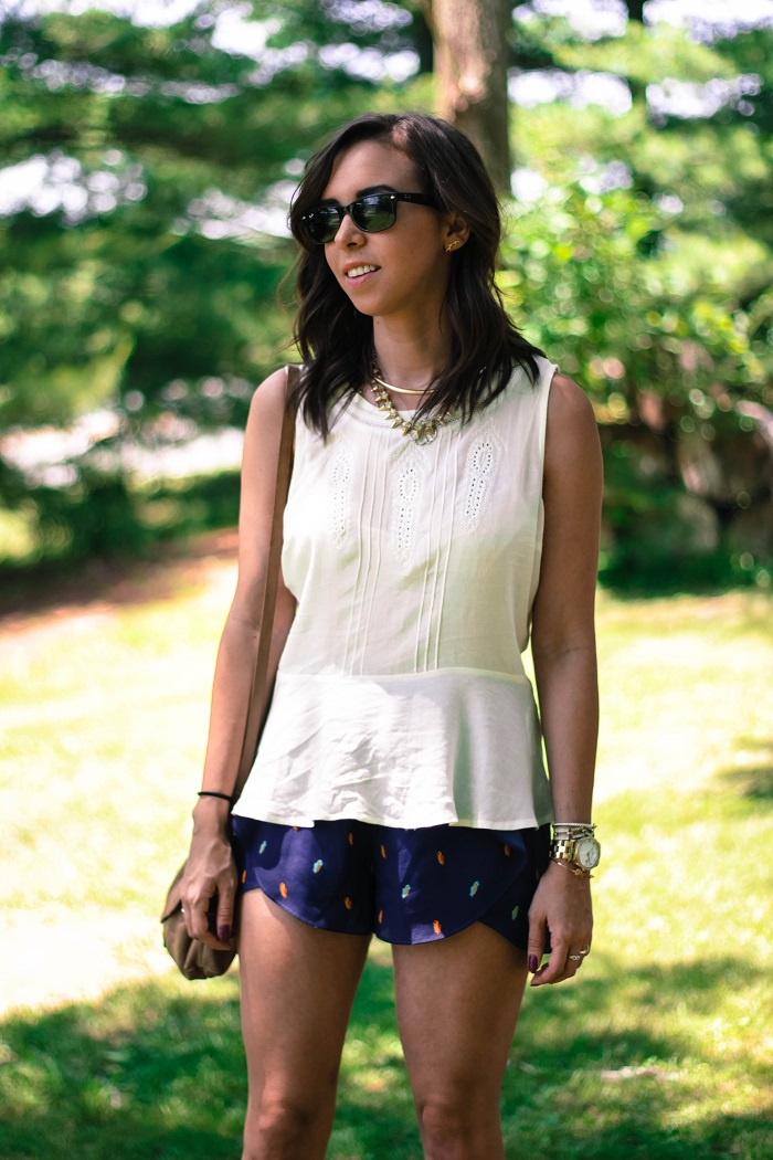 va darling. dc blogger. virginia personal style blogger. sheer white flowy summer top. flutter patterned bcbg shorts. leather oxfords. summer style 6