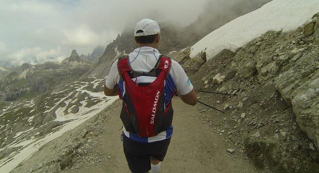 Τρέχοντας την κατεβασιά από το Lavaredo
