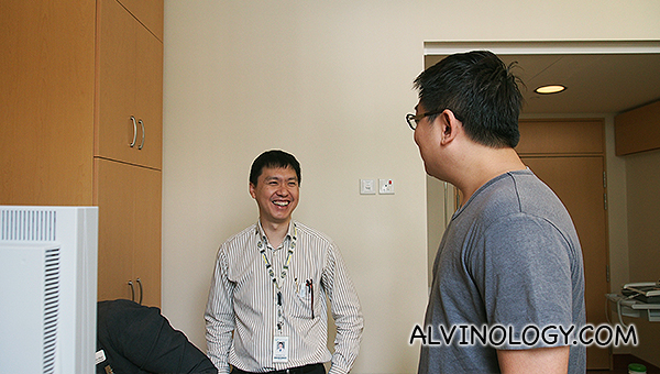 Chatting with the super cool and friendly cardio doctor at Mount Elizabeth Novena