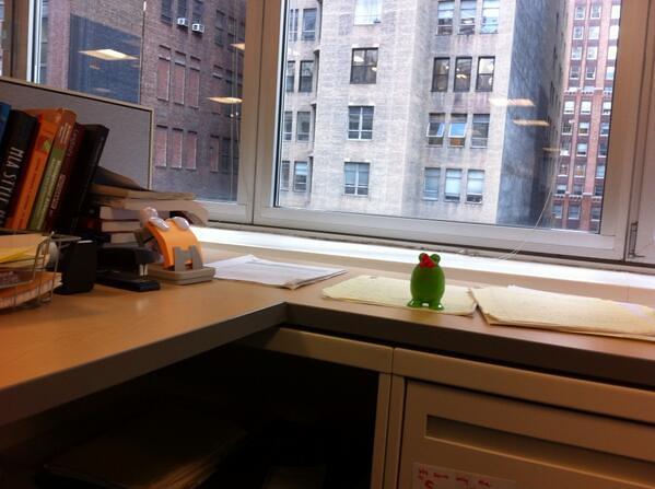 desk71114_3