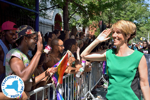 Zephyr Teachout Hi-Five