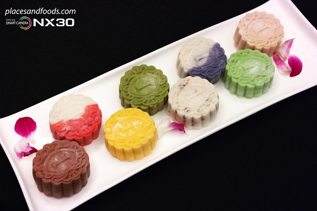 intercontinental hotel flavoured mooncakes
