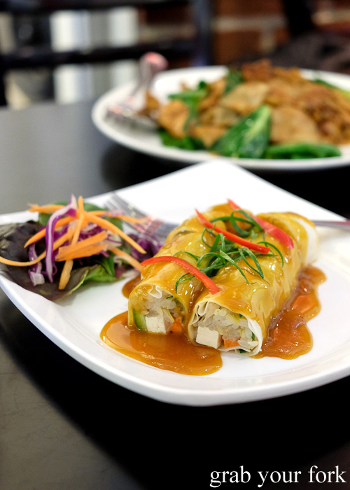 Vegetarian fresh spring rolls at Do Dee Paidang, Haymarket Chinatown Sydney