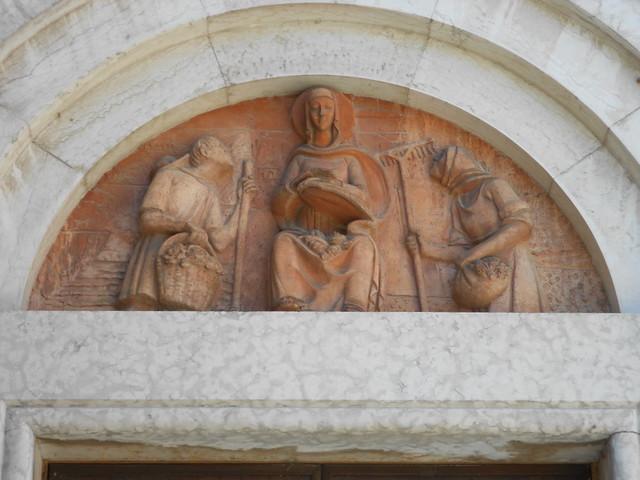 terracotta, lunetta, portale laterale, chiesa, Lusia