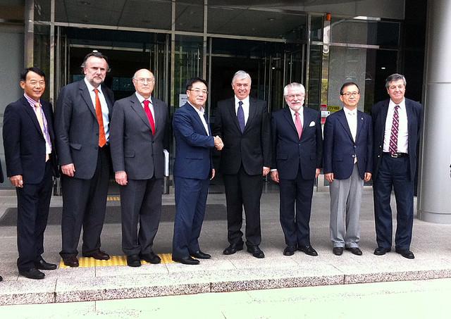 Ministro Carlos Furche se reúne con su par de Corea del Sur, Chung Seung