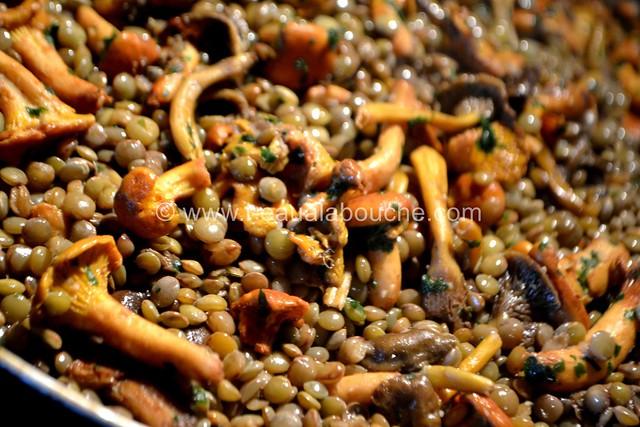 Jarrets de Porc à la Bière Sur Lentilles aux Chanterelles © Ana Luthi Tous droits réservés 012