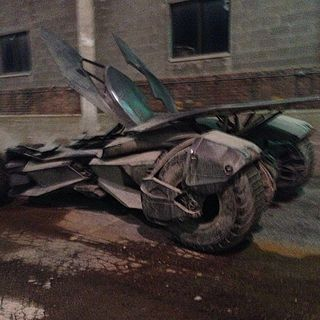 bvs-3-the-batmobile-leaked-photos-from-batman-vs-superman