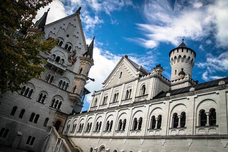La cour intérieure du château de Neuschwanstein, Bavière, Allemagne