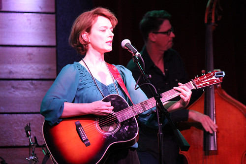 Laura Cantrell play