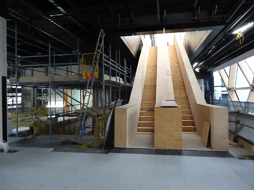 09e - Wooden stairs at Canary Wharf Crossrail station