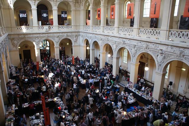 Bourse de Lyon : L'un desbâtimentsnon religieux les plus imposants.
