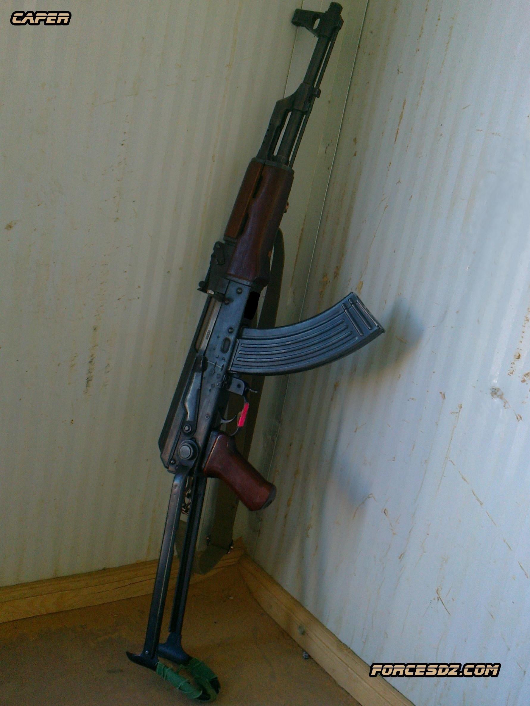 الصناعة العسكرية الجزائرية  [ AKM / Kalashnikov ]  33571823235_978998e97a_o