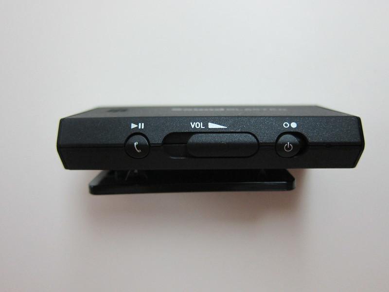 Sound Blaster E1 - Left